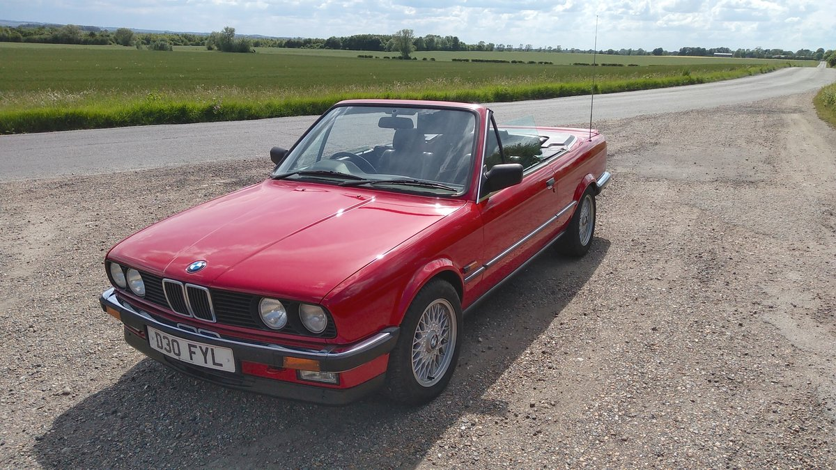 1986 E30 BMW 325i convertible manual + black leather. For Sale (picture 1 of 6)
