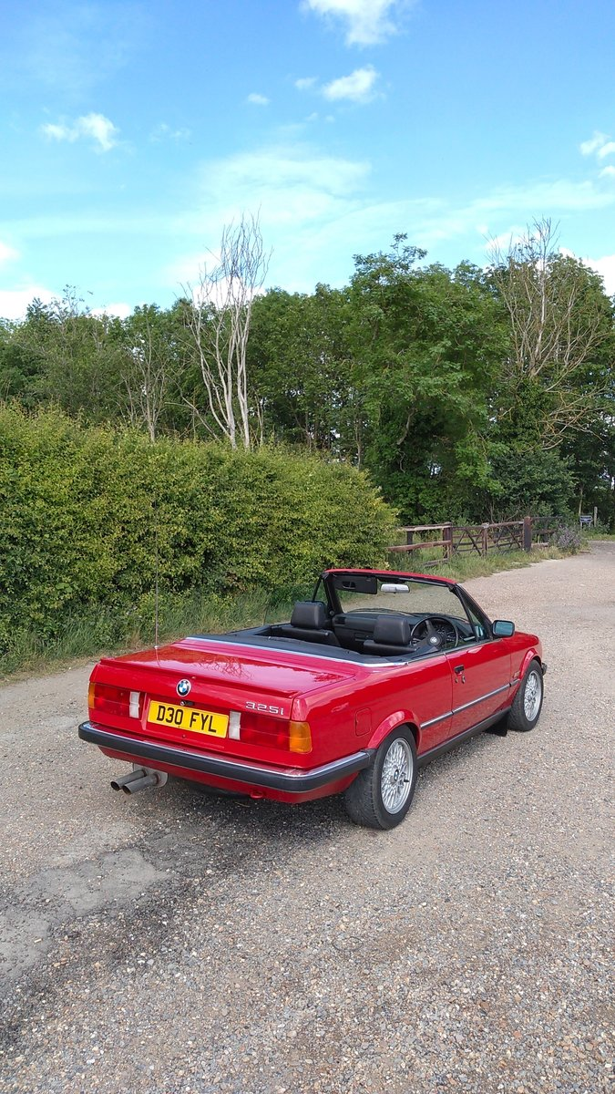 1986 E30 BMW 325i convertible manual + black leather. For Sale (picture 2 of 6)