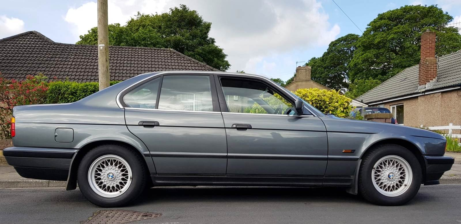 1989 BMW 520i E34. 1 PREVIOUS OWNER & ONLY 20,300 MILES For Sale (picture 1 of 6)