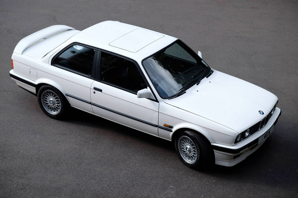 1990 IMMACULATE BMW E30 318is with huge history  For Sale (picture 2 of 6)