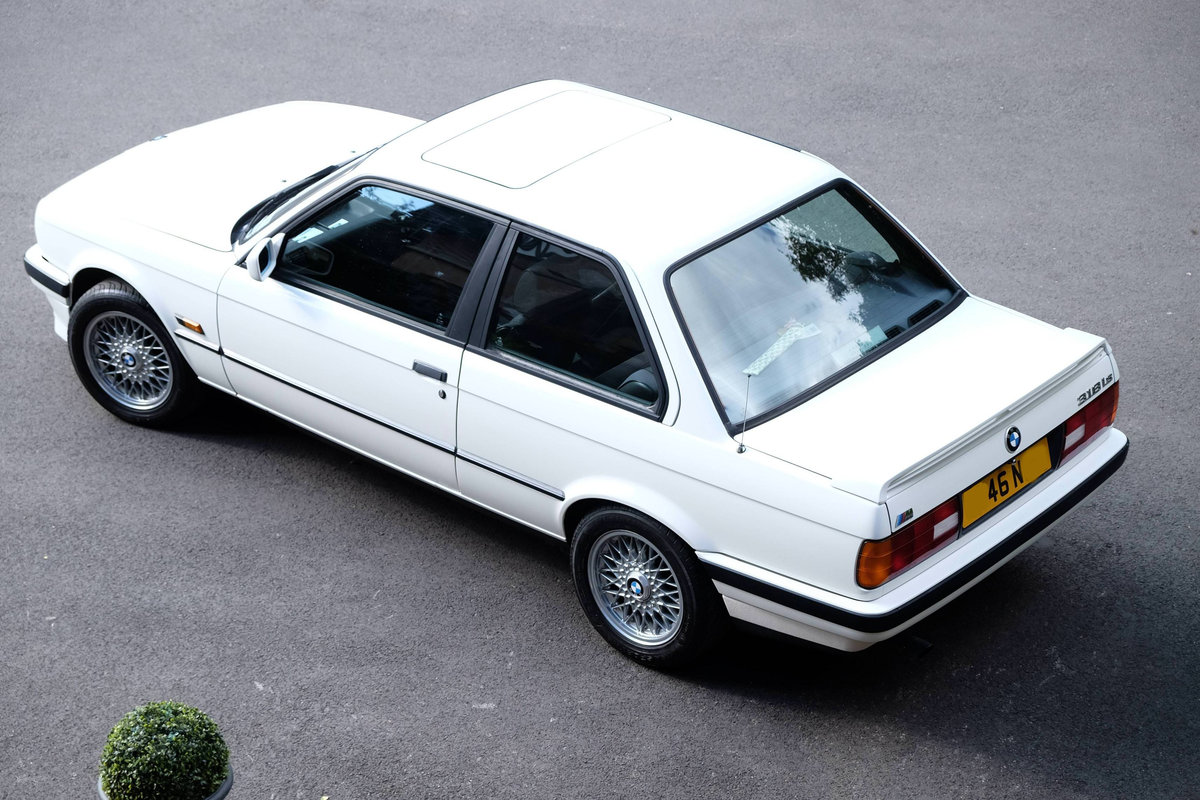 1990 IMMACULATE BMW E30 318is with huge history  For Sale (picture 3 of 6)