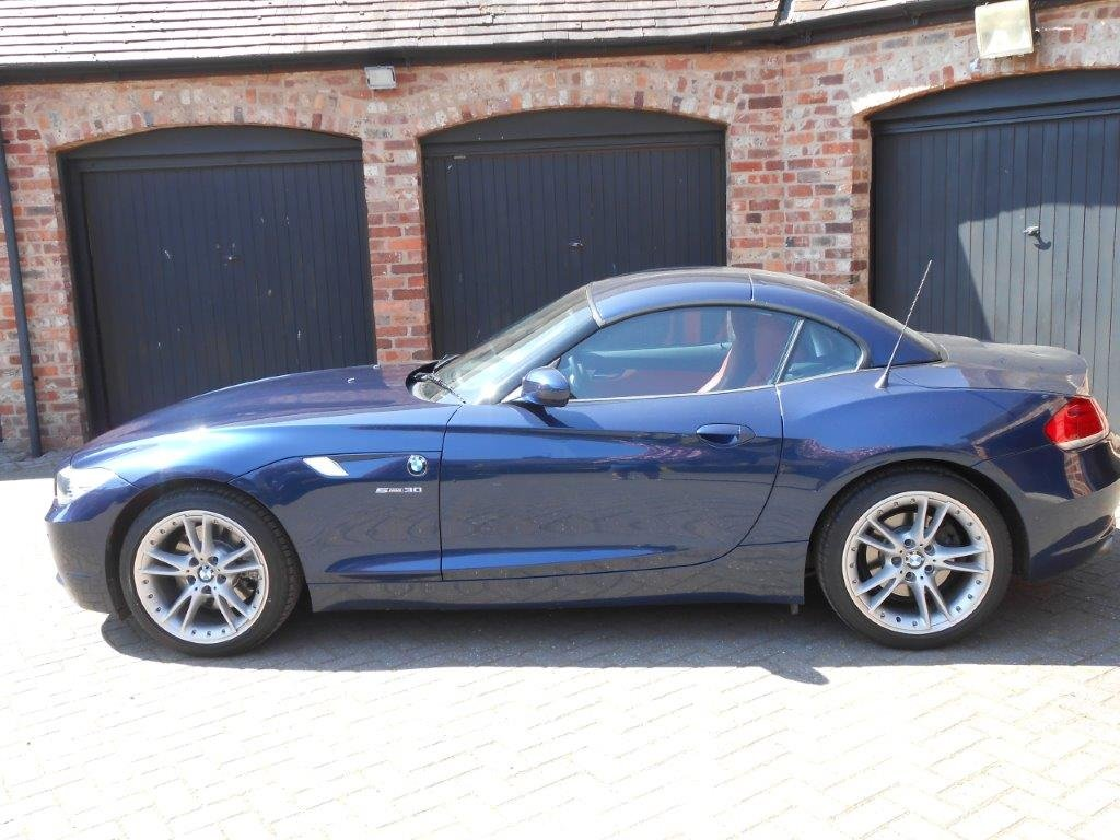 2009 Beautiful BMW Z4  3.0i sDrive Automatic For Sale (picture 1 of 6)