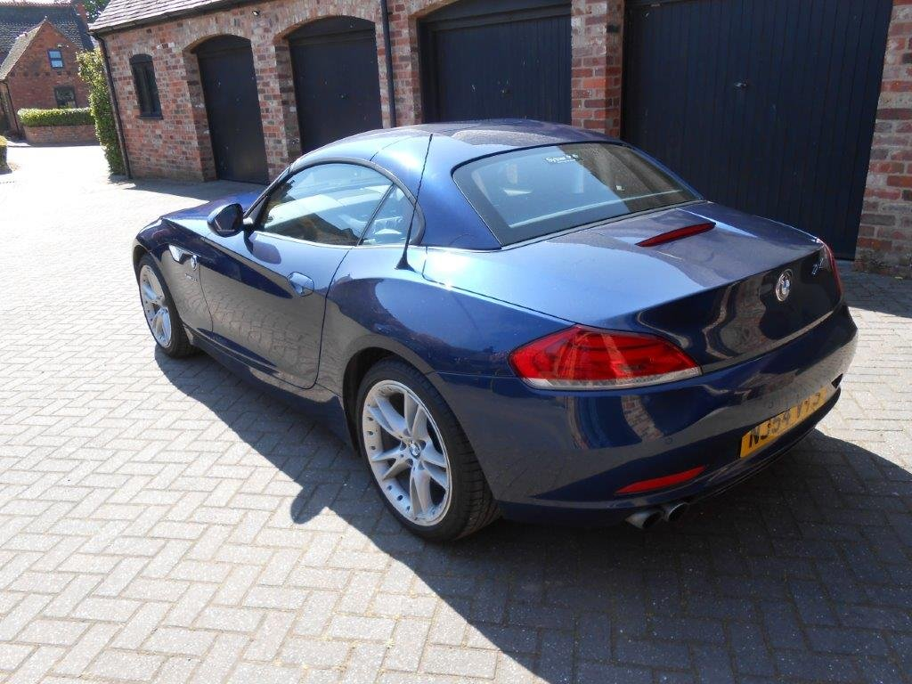 2009 Beautiful BMW Z4  3.0i sDrive Automatic For Sale (picture 4 of 6)