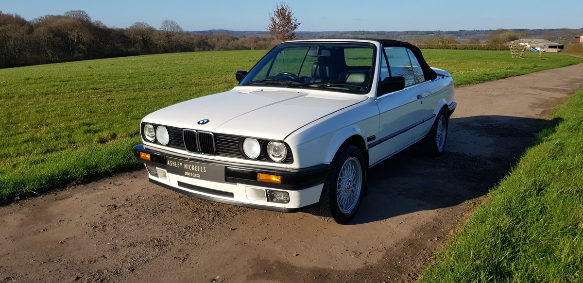 1993 BMW E30 318i LUX - LOW MILEAGE - ATTENTIVELY MAINTAINED  For Sale (picture 4 of 6)
