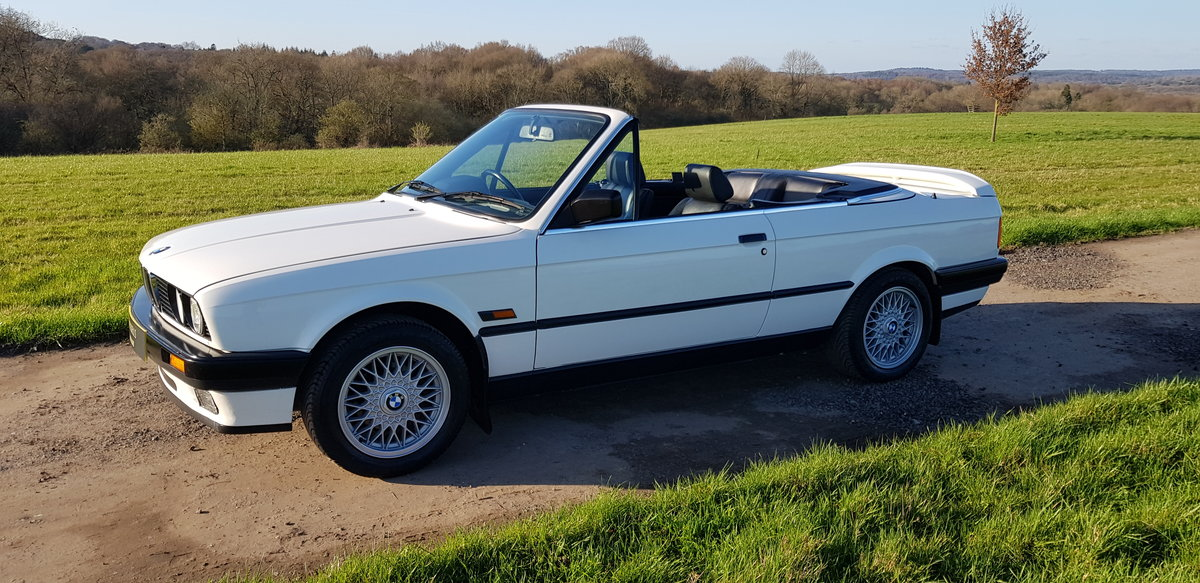 1993 BMW E30 318i LUX - LOW MILEAGE - ATTENTIVELY MAINTAINED  For Sale (picture 1 of 6)
