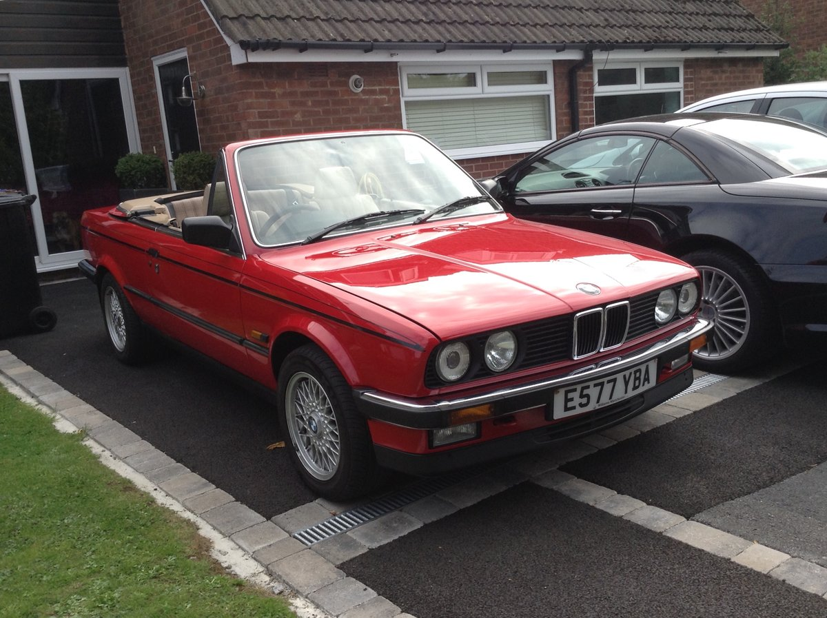 1988 BMW E30 325i cabriolet  For Sale (picture 1 of 6)