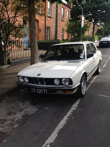 1982 Excellent b.m.w e 528i 5 speed manual