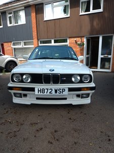1990 BMW E30 318is