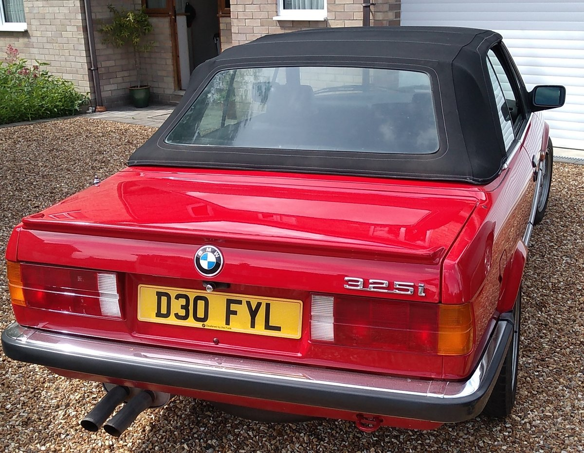 1986 E30 BMW 325i convertible manual + black leather. For Sale (picture 5 of 6)