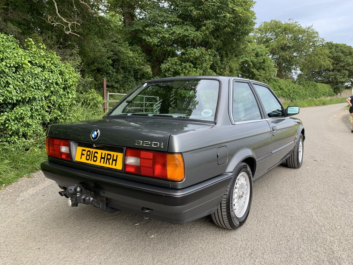 1989 Stunning E30 - very low mileage For Sale (picture 2 of 6)
