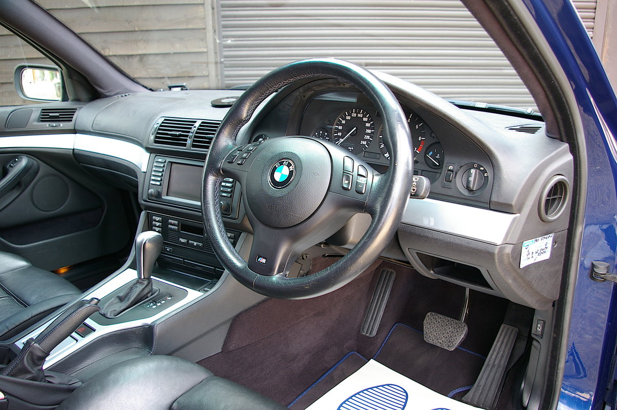 2002 BMW E39 525i M-Sport Touring Automatic (54,436 miles)  SOLD (picture 4 of 6)