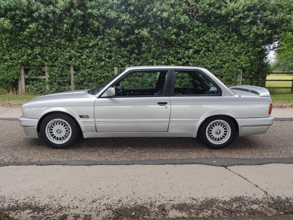 1990 [h] bmw e30 318is m tech 2 For Sale (picture 4 of 6)