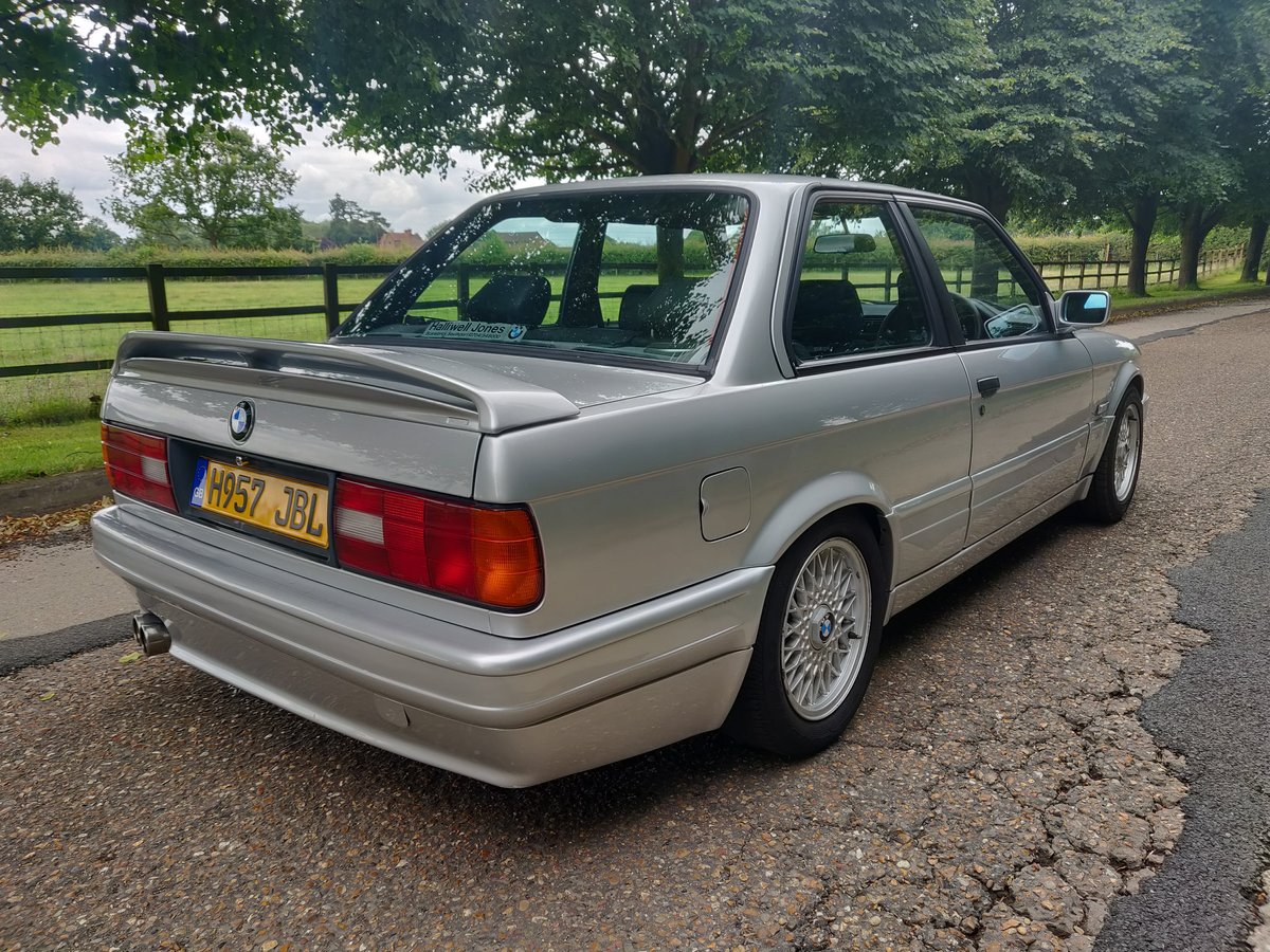 1990 [h] bmw e30 318is m tech 2 For Sale (picture 5 of 6)