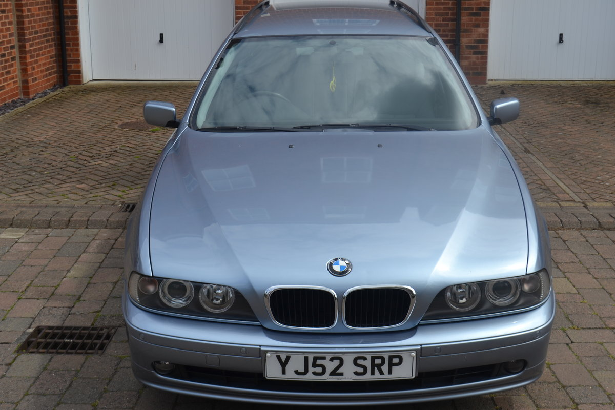 2002 Immaculate BMW520i SE Touring Estate For Sale (picture 1 of 6)