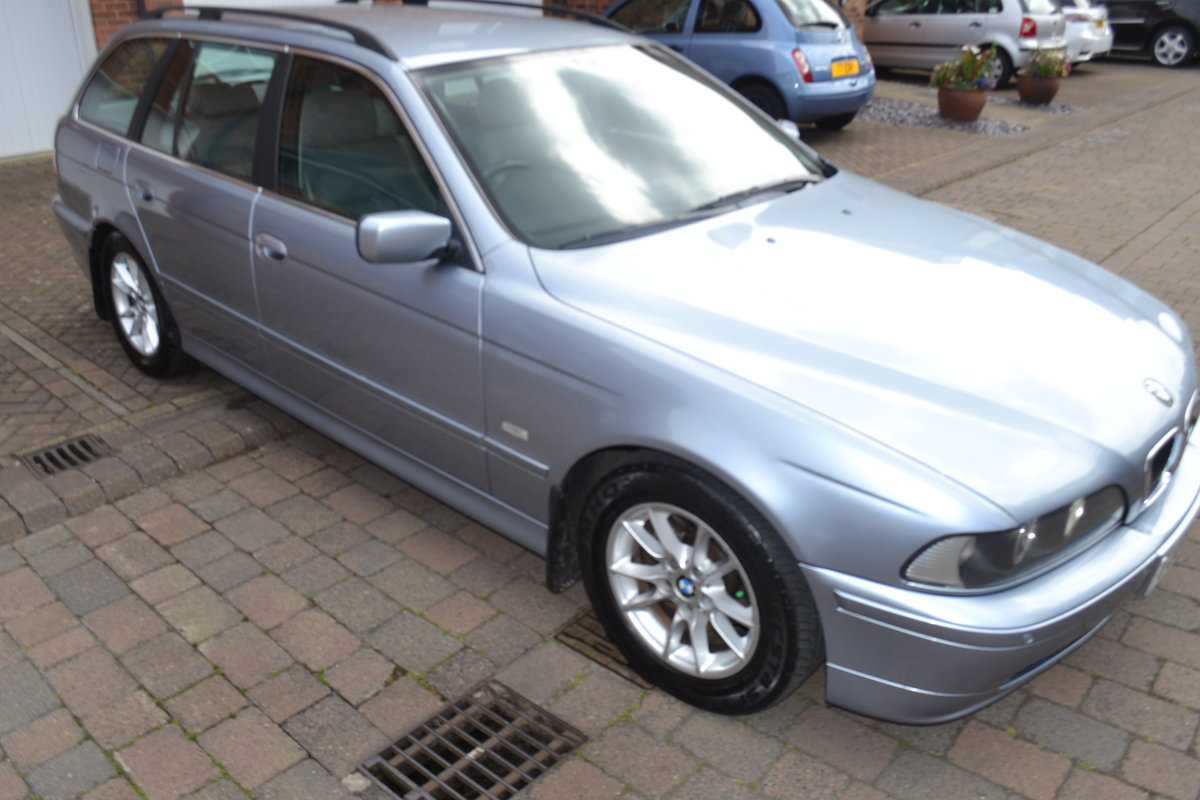 2002 Immaculate BMW520i SE Touring Estate For Sale (picture 2 of 6)