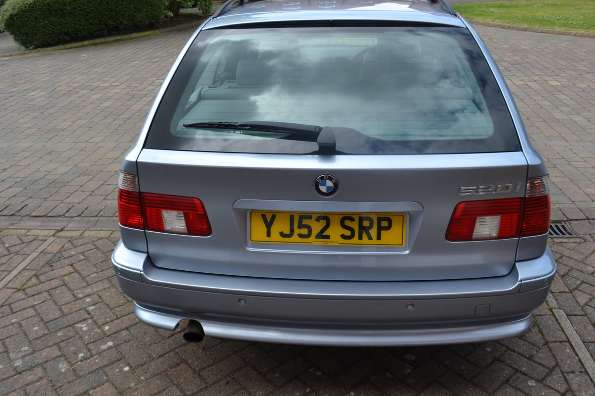 2002 Immaculate BMW520i SE Touring Estate For Sale (picture 5 of 6)