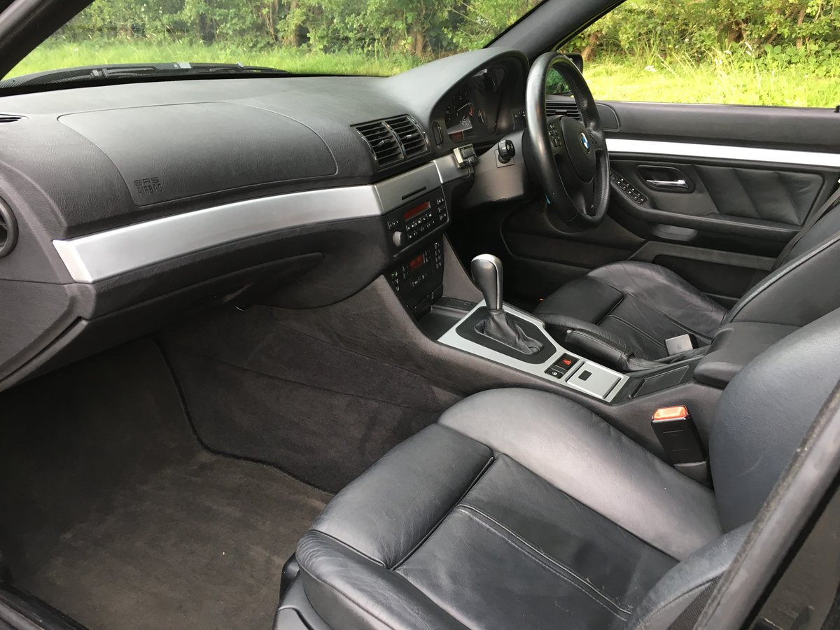 2004 BMW 530i Sport Touring Automatic E39 - Great Example For Sale (picture 4 of 6)