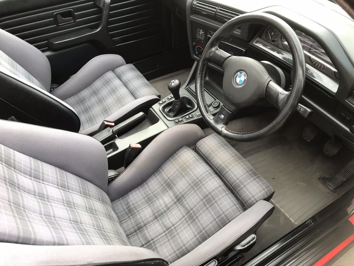 1991 BMW 318i Convertible, Manual  SOLD (picture 4 of 6)