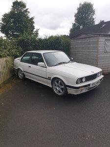 1990 BMW E30 318IS
