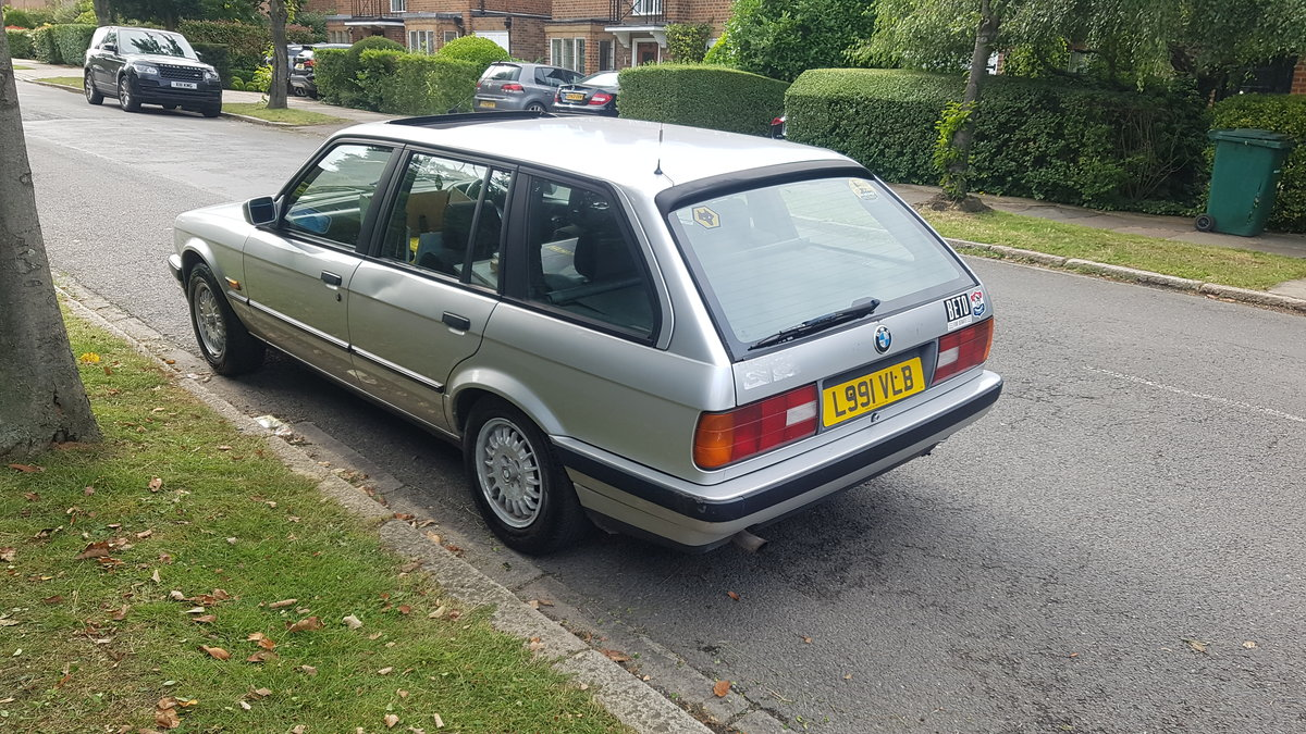 1993 BMW E30 Automatic estate touring very nice car For Sale (picture 2 of 6)