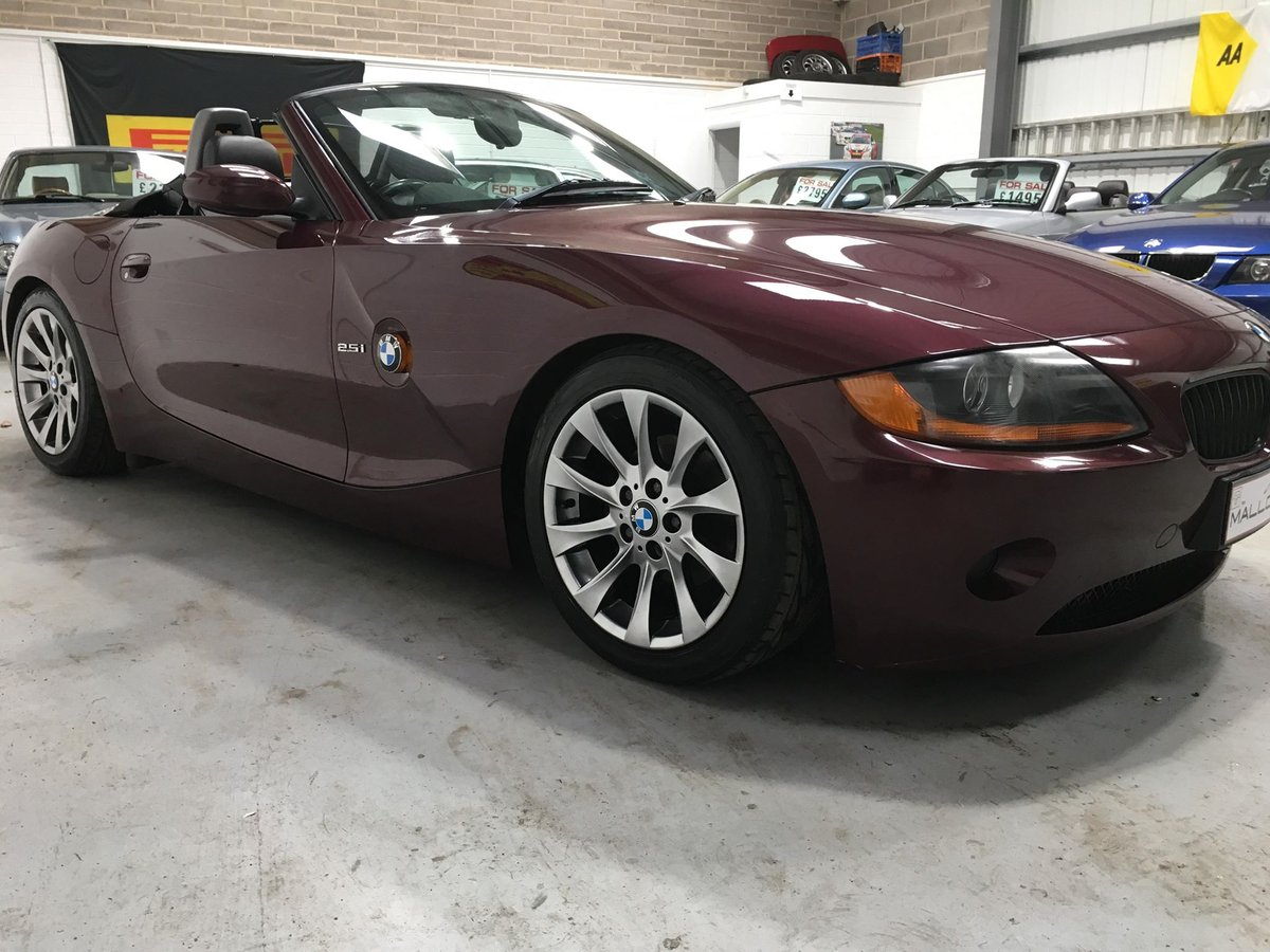 2003 BMW Z4 Roadster, 2.5 Manual stunning colour/wheels SOLD (picture 3 of 6)