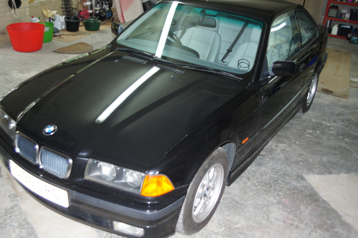 1998 328i Black, full grey leather,aircon. 86311 miles SOLD (picture 5 of 6)