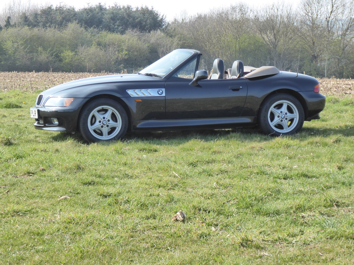1997 BMW Z3 1.9 Convertible For Sale (picture 2 of 6)