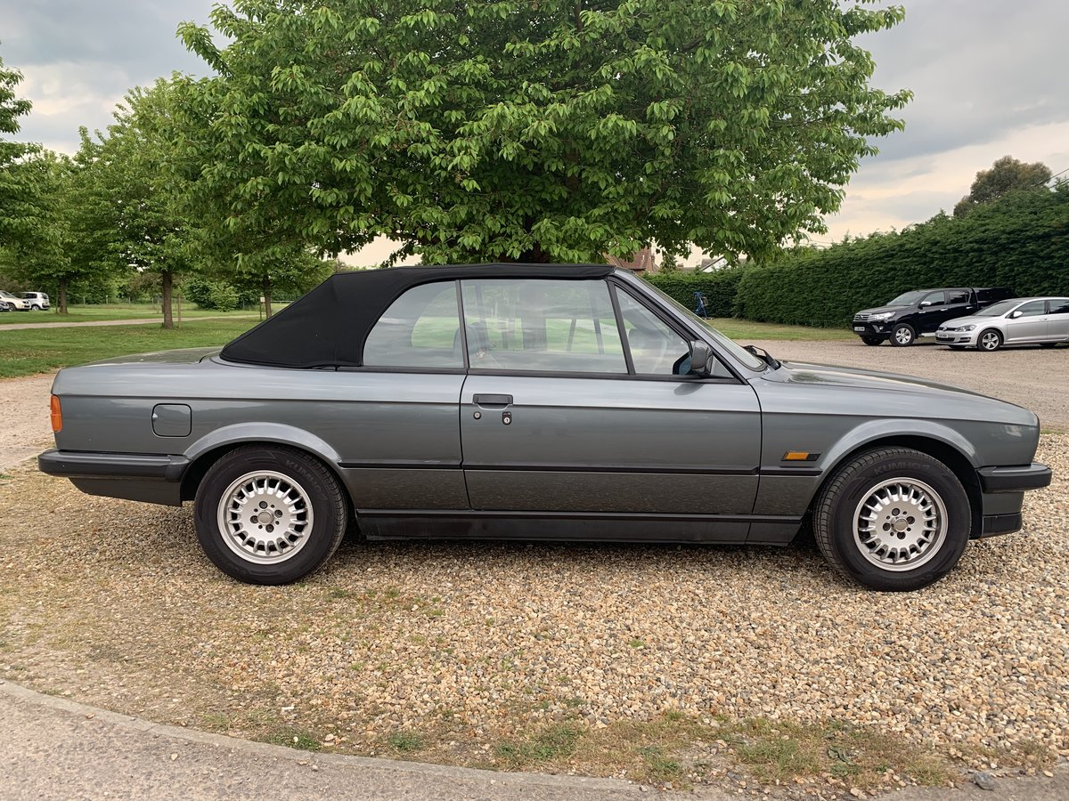 1988 E30 320 Convertible with only one previous owner! SOLD (picture 4 of 6)