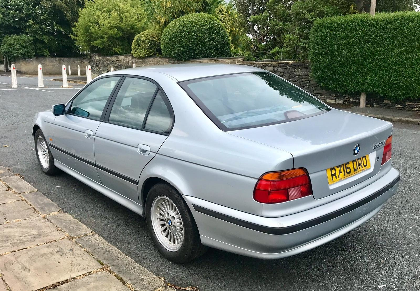 1998 BMW 528i SE Auto Silver For Sale (picture 4 of 6)