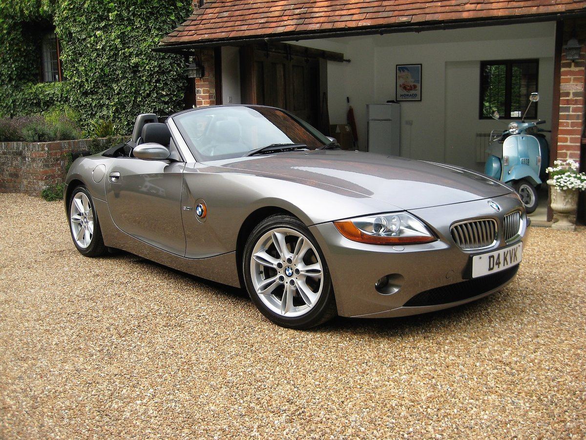 2003 BMW Z4 3.0i Auto 1 Owner From New With Just 22,000 Miles For Sale (picture 2 of 6)