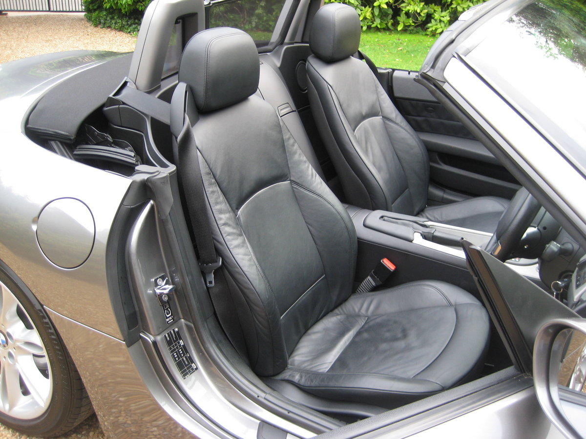 2003 BMW Z4 3.0i Auto 1 Owner From New With Just 22,000 Miles For Sale (picture 4 of 6)
