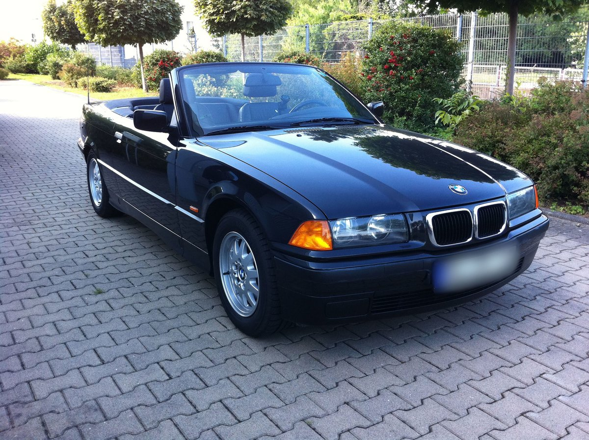 1997 BMW 320i Cabrio For Sale (picture 1 of 6)