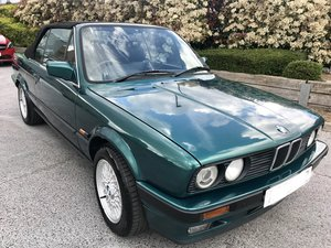 1993 BMW 325i Convertible Laguna Green