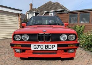 1990 BMW 318iS (E30)