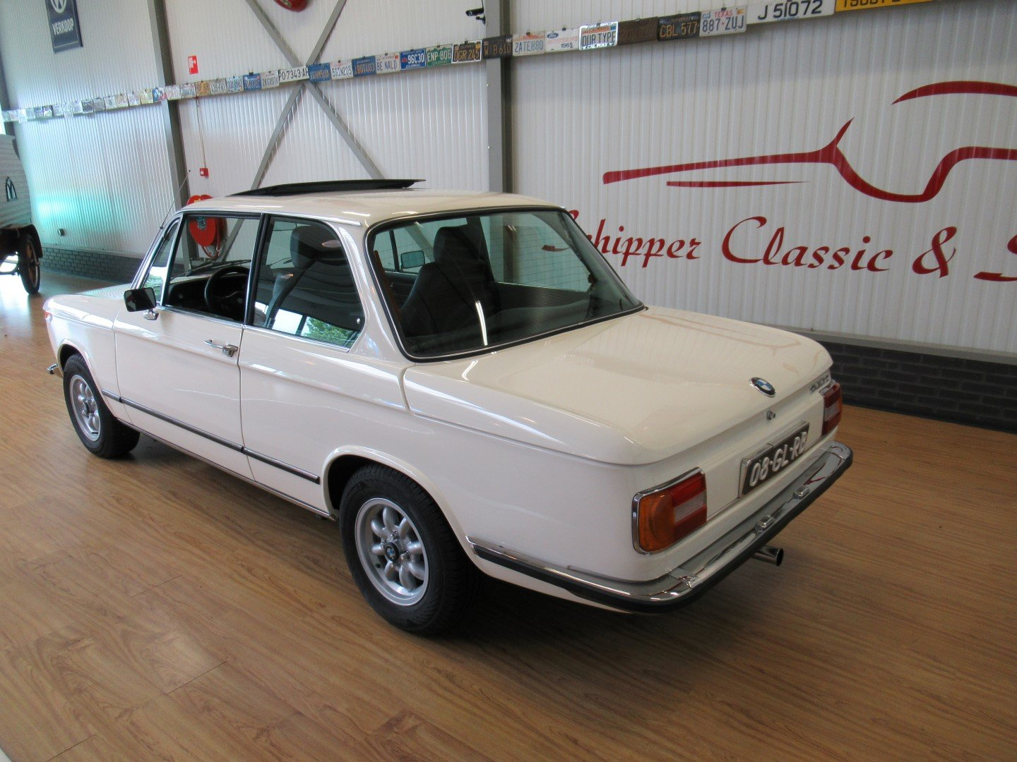 BMW 1502 with 2.0L engine For Sale (picture 3 of 6)