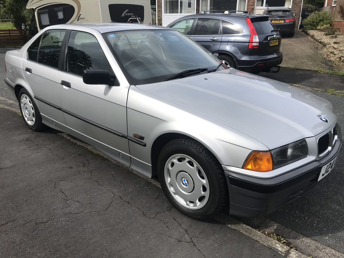 1992 BMW 316 auto  For Sale (picture 3 of 6)