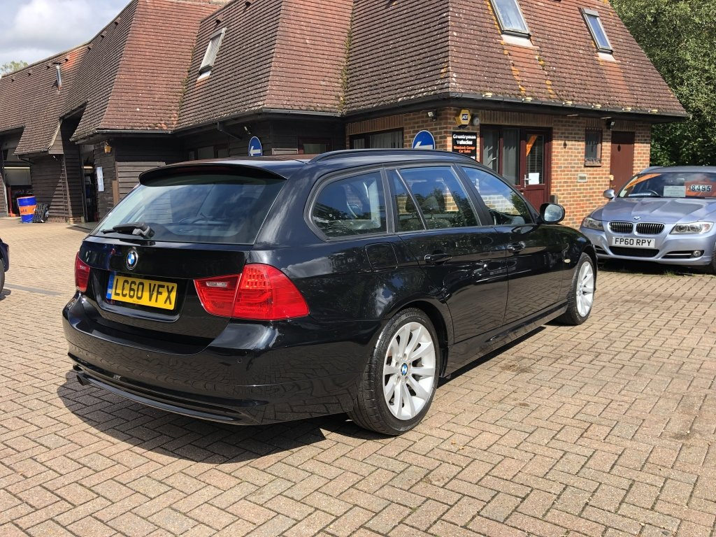 2010 (60) BMW 318i (2.0) SE Estate Automatic | 41,500 miles For Sale (picture 3 of 6)