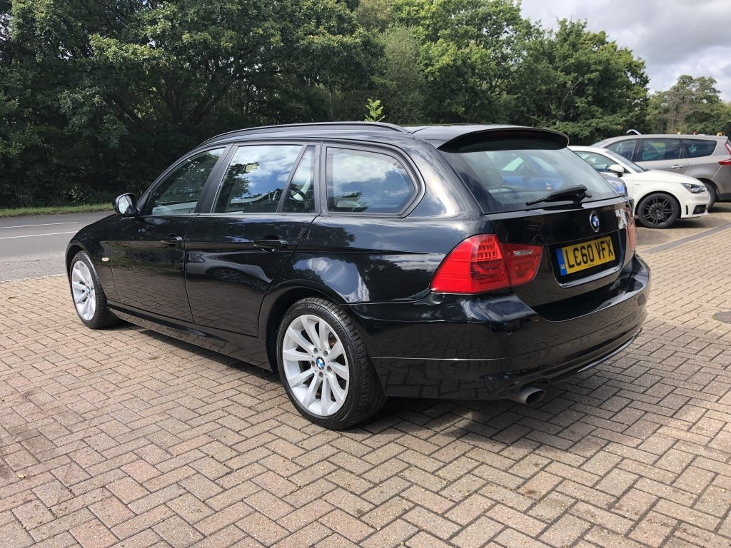 2010 (60) BMW 318i (2.0) SE Estate Automatic | 41,500 miles For Sale (picture 4 of 6)
