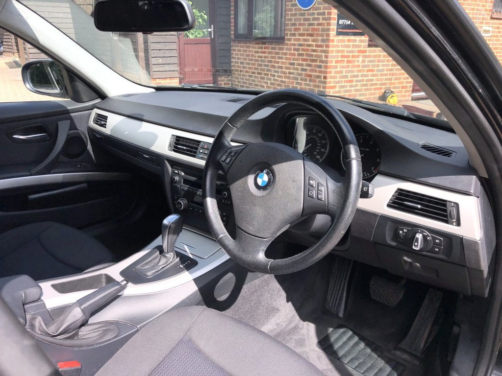 2010 (60) BMW 318i (2.0) SE Estate Automatic | 41,500 miles For Sale (picture 5 of 6)