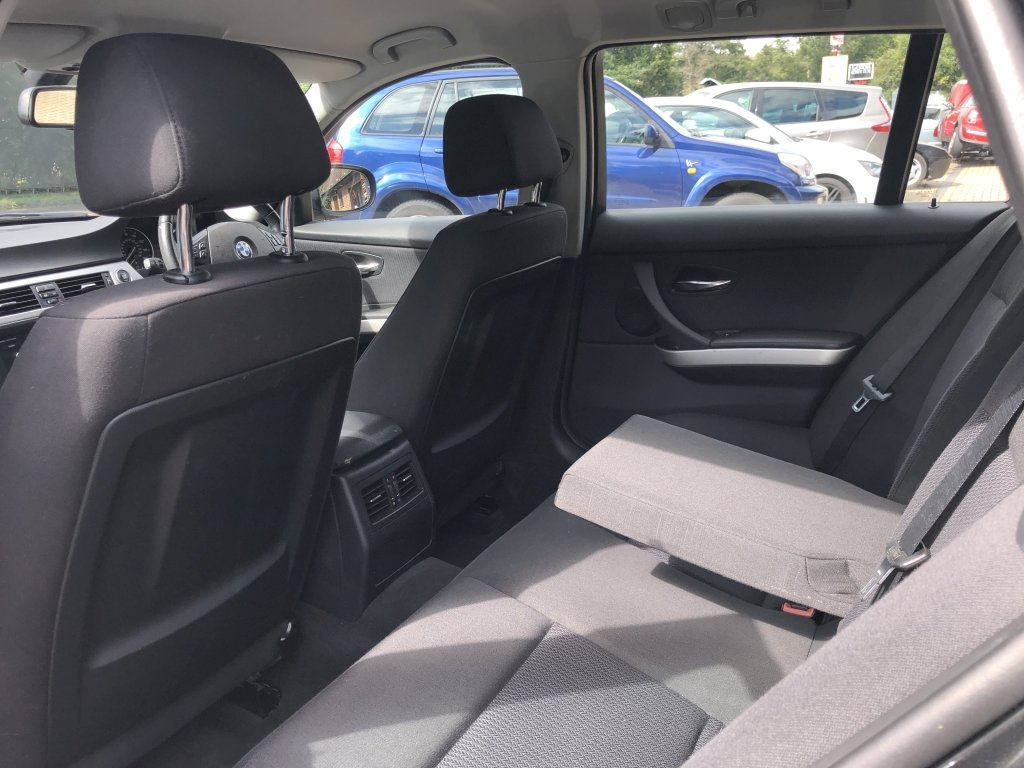2010 (60) BMW 318i (2.0) SE Estate Automatic | 41,500 miles For Sale (picture 6 of 6)