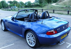 2002 Z3 Stylish and fun convertible automatic roadster For Sale