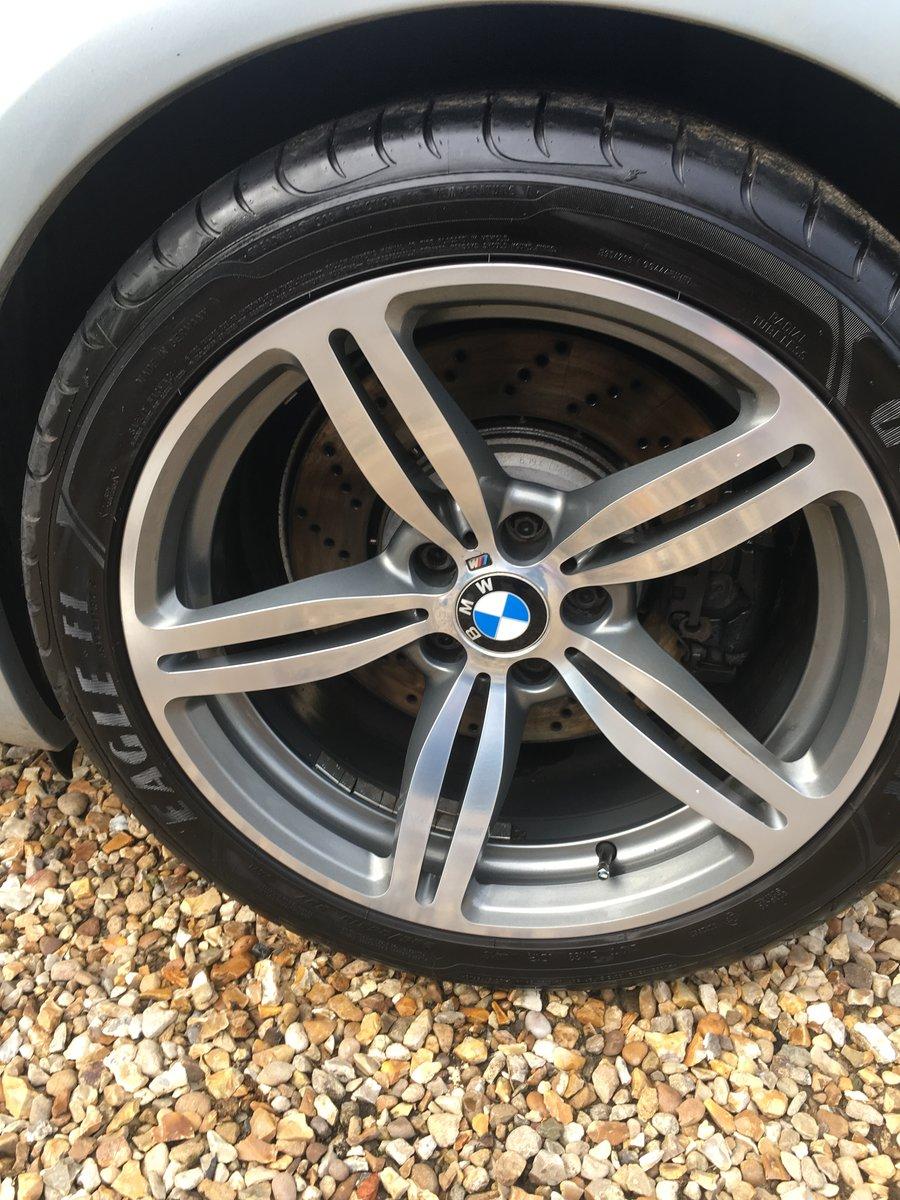2007 BMW M6 V10 5.0 LOW MILEAGE - HUGE SPEC SOLD (picture 4 of 6)