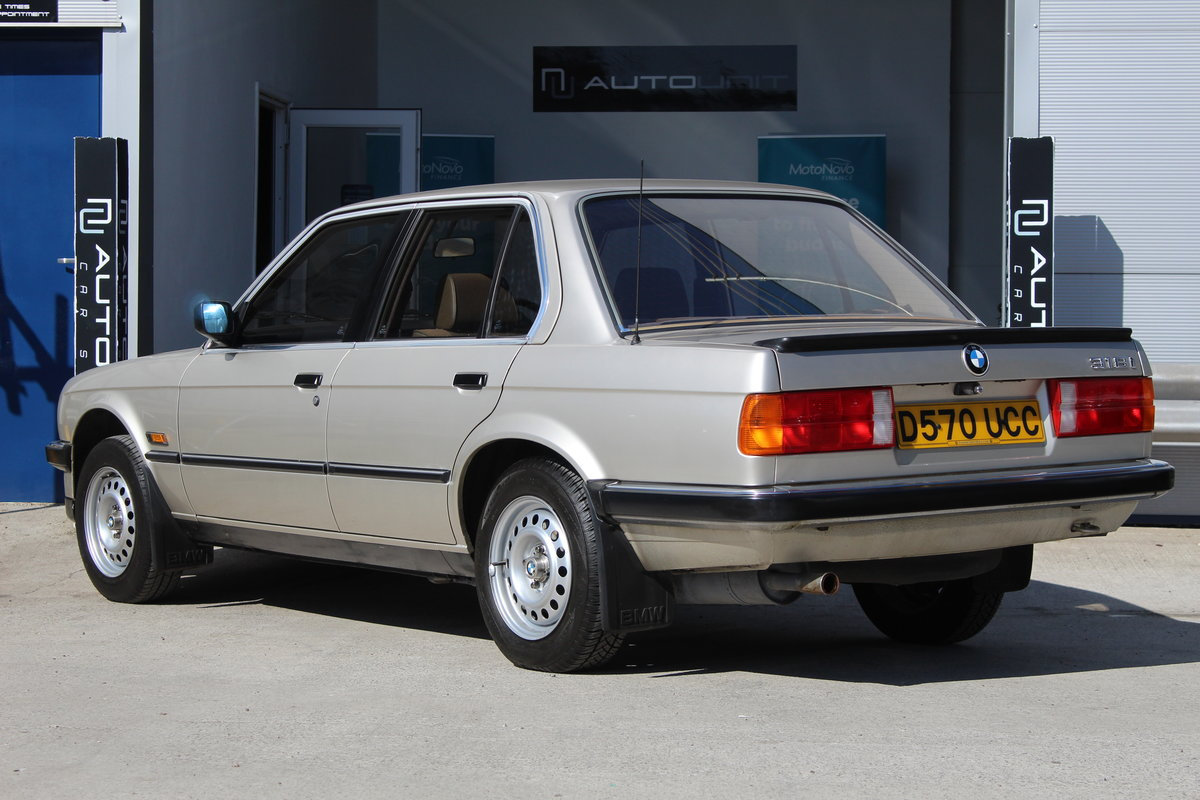 1986 BMW 318i E30 - Stunning Condition For Sale (picture 3 of 6)