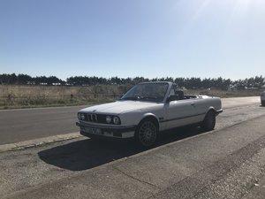 1990 BMW 320i convertible E30 modern classic