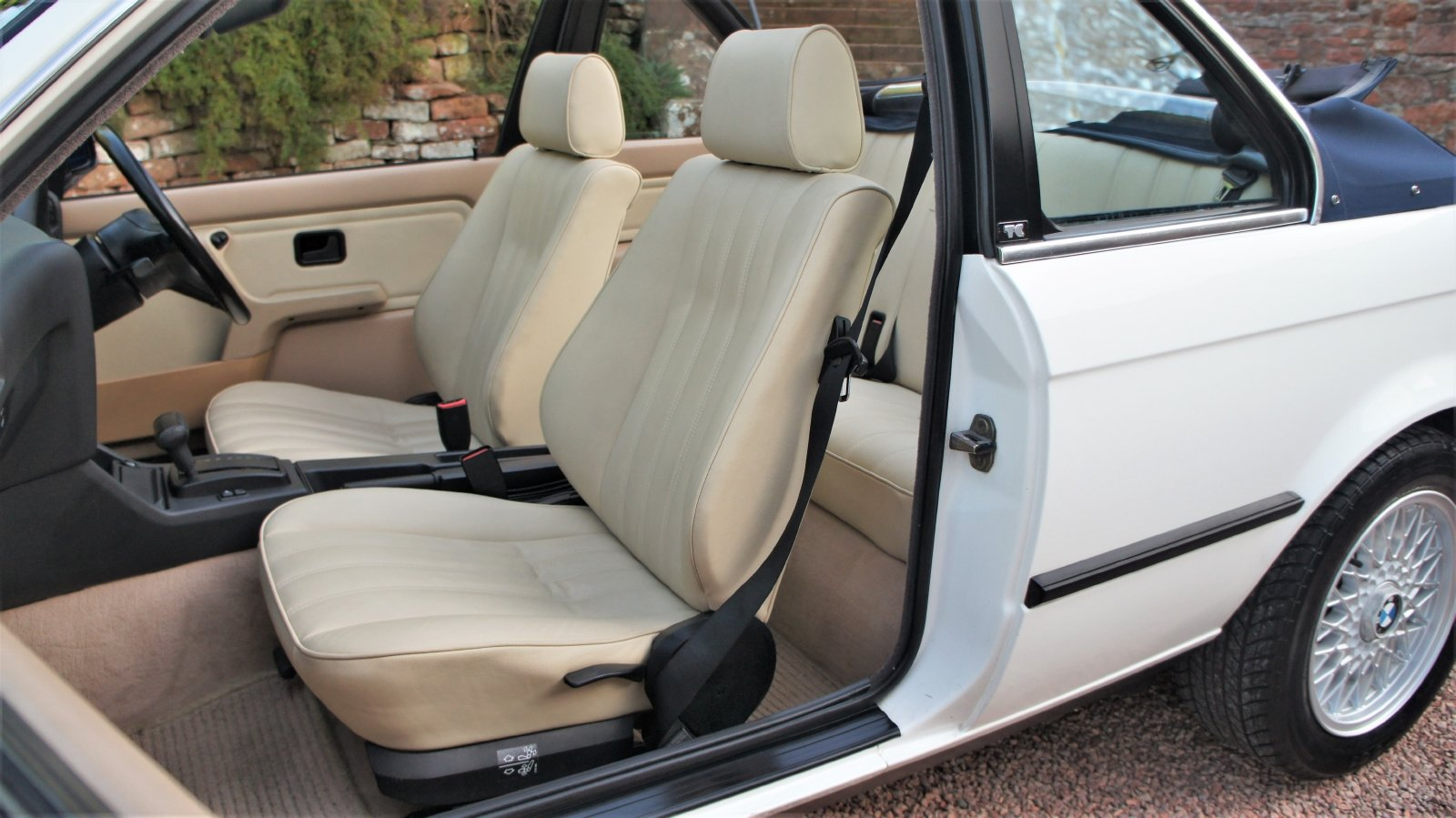 1989 BMW E30 320I BAUR CONVERTIBLE - EXCEPTIONAL SOLD (picture 6 of 6)