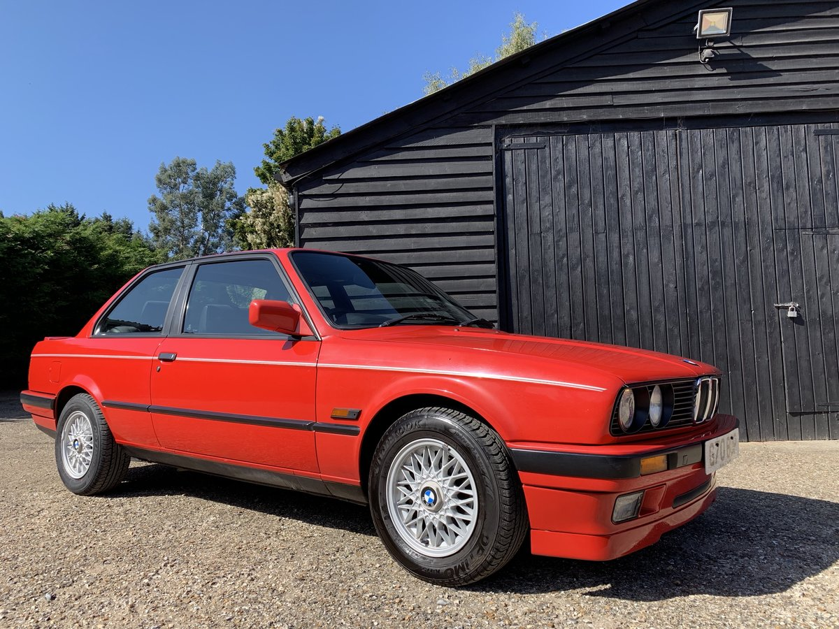 1990 BMW 318iS (E30) For Sale (picture 2 of 6)
