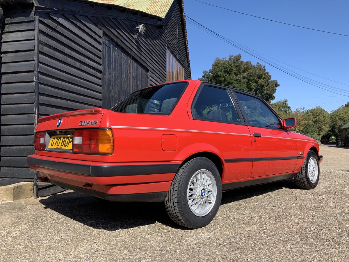1990 BMW 318iS (E30) For Sale (picture 3 of 6)