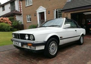 1990 BMW E30 325i Convertible, White Auto private For Sale