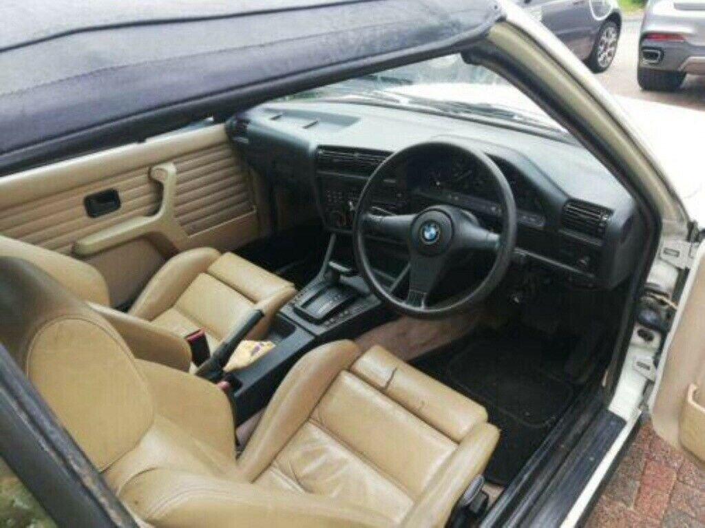 1990 BMW E30 325i Convertible, White Auto private For Sale (picture 3 of 6)