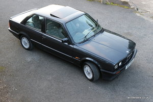 1990 BMW E30 318is Restored Diamond Black